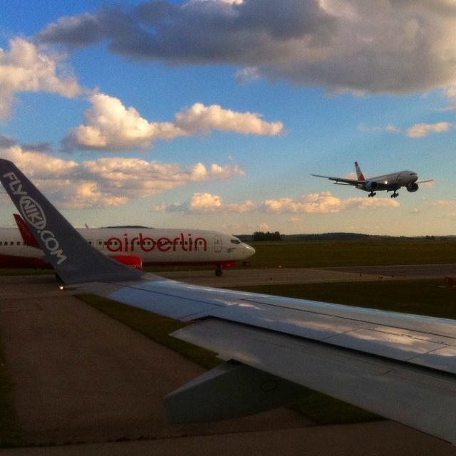 airberlin-flyniki-austrian-airlines-flughafen-wien