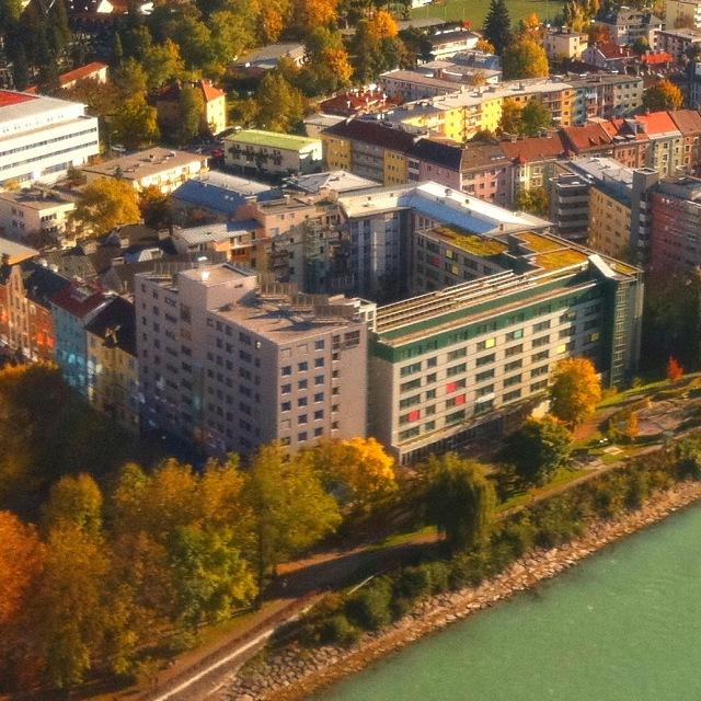 Internationales Studentenhaus (ISH) in Innsbruck im Herbst