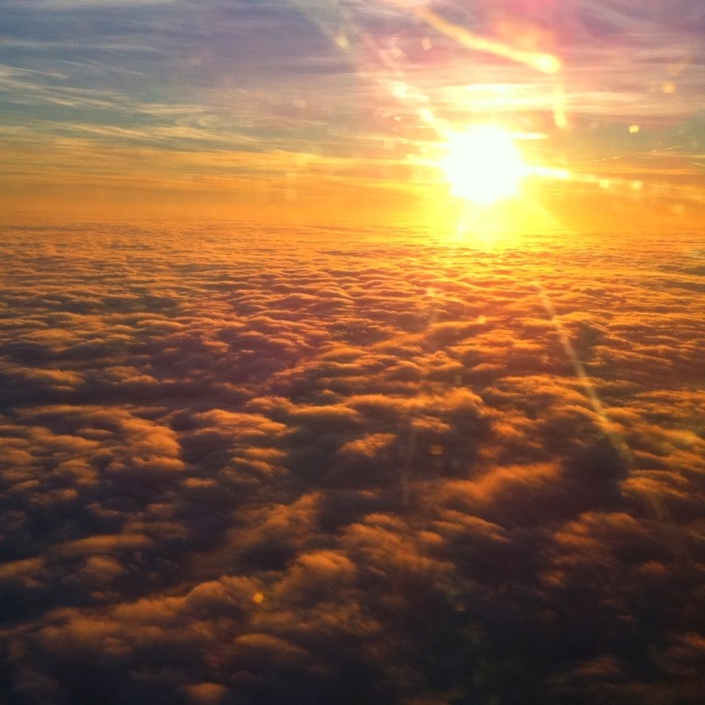 Sonnenuntergang im Flugzeug