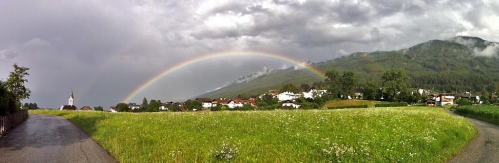 Regenbogen über Sistrans